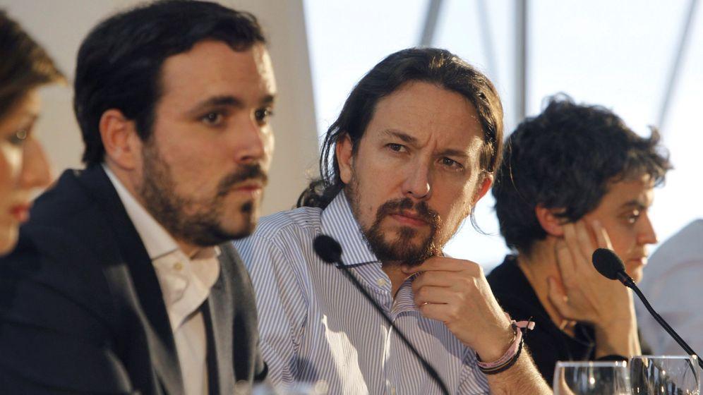 Foto: Pablo Iglesias y Alberto Garzón durante la presentación de un texto alternativo al proyecto de Ley Reguladora de los Contratos de Crédito Inmobiliario. (EFE)