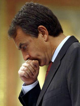 Foto: La prensa internacional duda de la efectividad del 'tijeretazo' de Zapatero