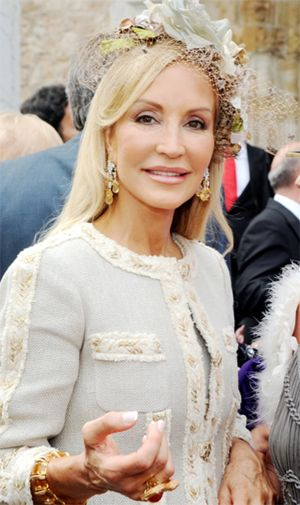 Carmen Lomana será investida Alubiera de Honor en un almuerzo a 35 € el cubierto