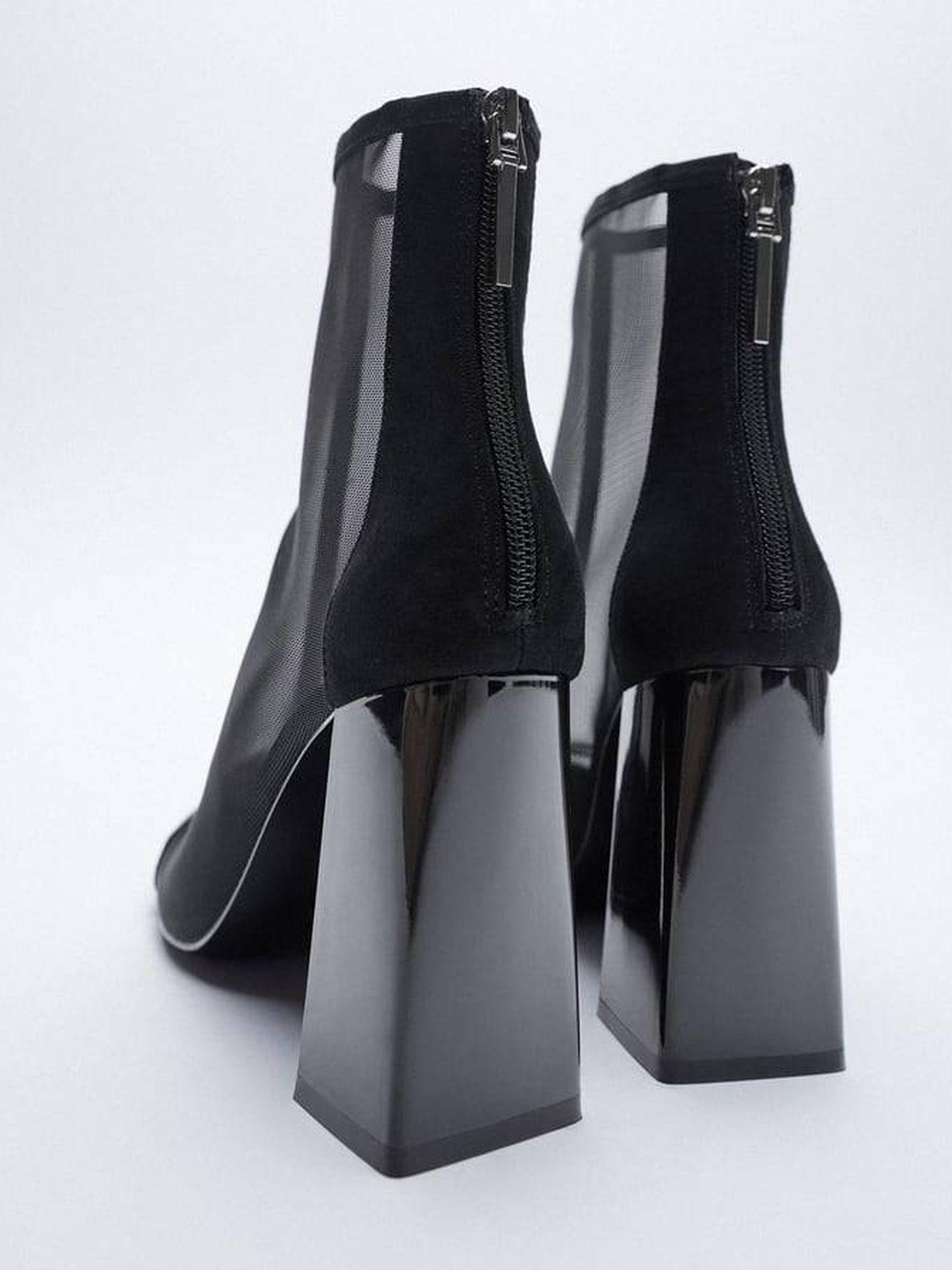 Botines negros de la nueva colección de Zara. (Cortesía)