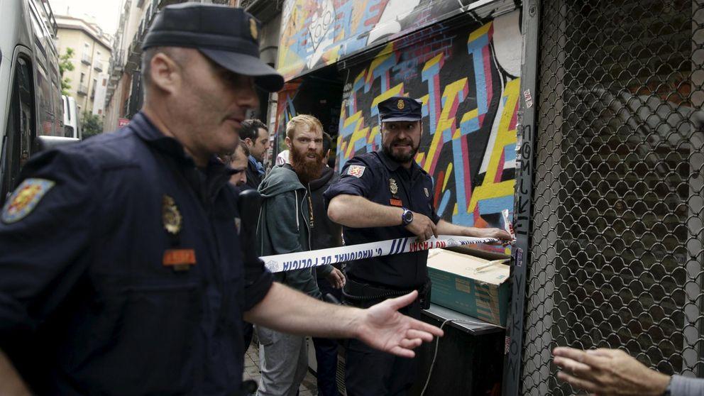 La Policía desaloja sin incidentes al colectivo Patio Maravillas