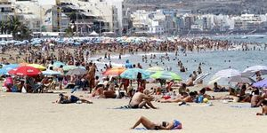 El turismo español aguanta el golpe gracias a las ofertas de última hora