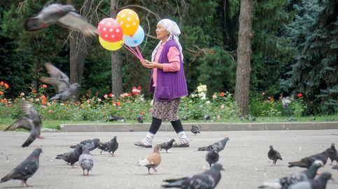 Vendedora de globos en Kazagistán