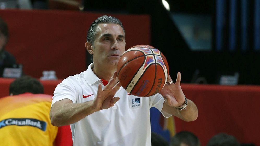 Foto: Sergio Scariolo, durante uno de los últimos entrenamientos de la selección española (Efe).