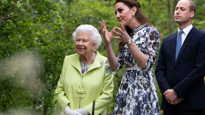 La reina Isabel II y los duques de Cambridge. (EFE)