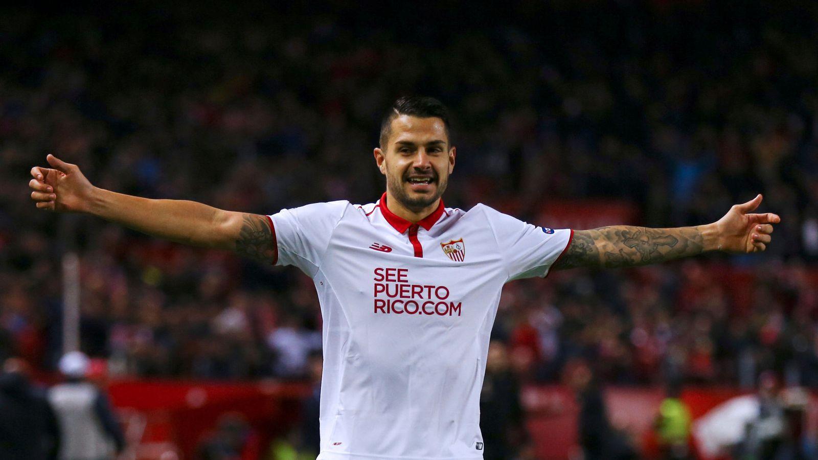 Foto: Vitolo seguirá defendiendo la camiseta del Sevilla. (Reuters)