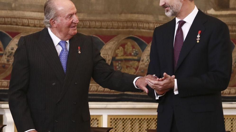 Foto: El rey Juan Carlos y Felipe VI en el Palacio Real el pasado 30 de enero. (EFE)