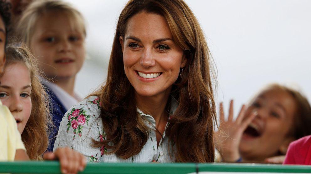 Kate Middleton vuelve al trabajo (por sorpresa) con este bucólico vestido