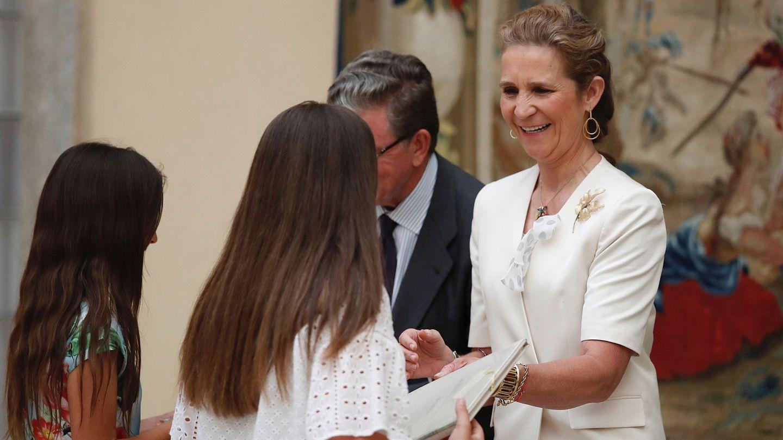 La infanta Elena, durante la entrega de premios del XXVII Concurso de Pintura Infantil y Juvenil de Patrimonio Nacional. (EFE)