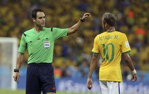 Velasco Carballo, el favorito para pitar la final del Mundial de Brasil