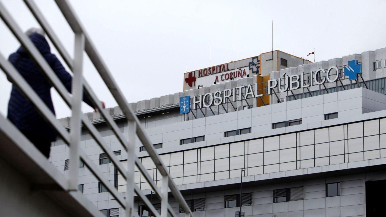 GRAF1137. A CORUÑA (ESPAÑA), 04 03 2020.- Parte de la fachada del Complejo Hospitalario Universitario de A Coruña (CHUAC), centro en el que se ha registrado este miércoles el primer caso de Covid-19 (coronavirus) en Galicia, un hombre de 49 años procedente de Madrid. EFE Cabalar