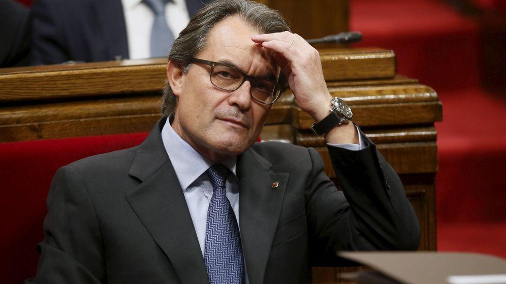 Foto: El 'president' en funciones de la Generalitat, Artur Mas, este lunes en el Parlament (Reuters)