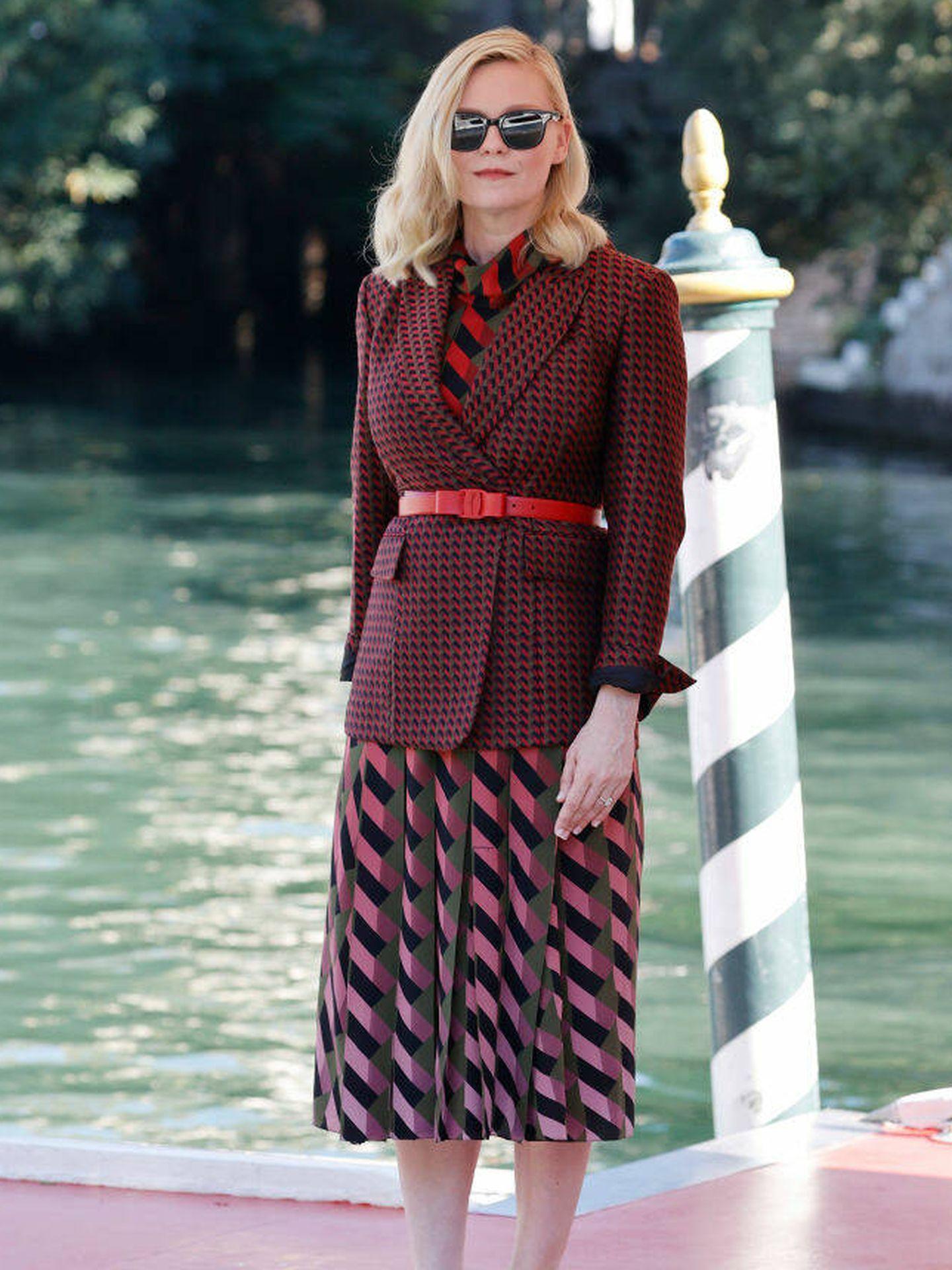 Kirsten Dunst llega al Festival de Venecia.  (Getty)