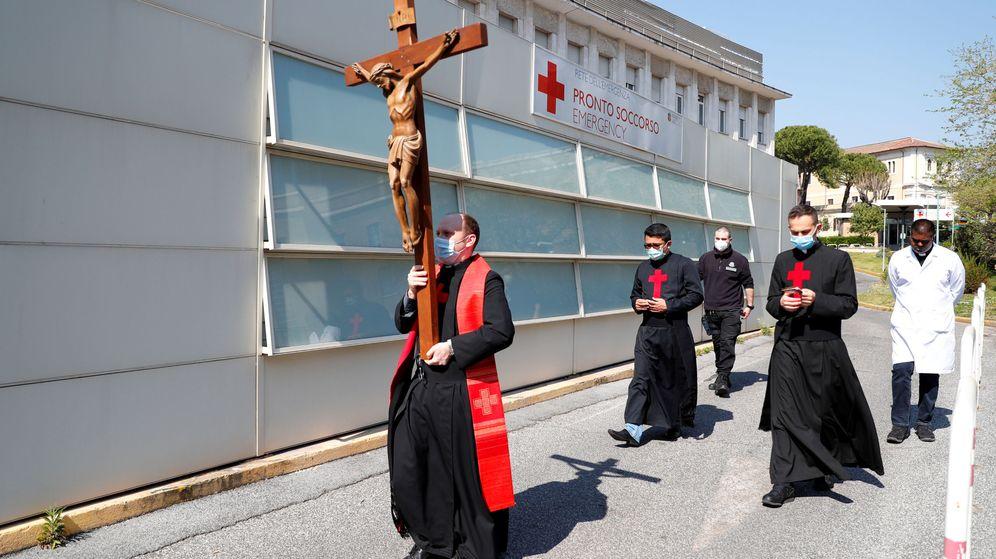 Foto: Un viacrucis en Roma. (Reuters)