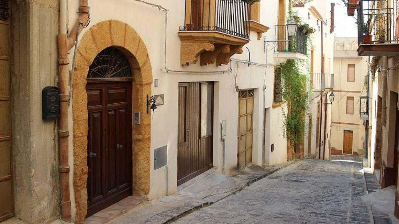 Una de las calles del municipio de Sambuca. (Pixabay)