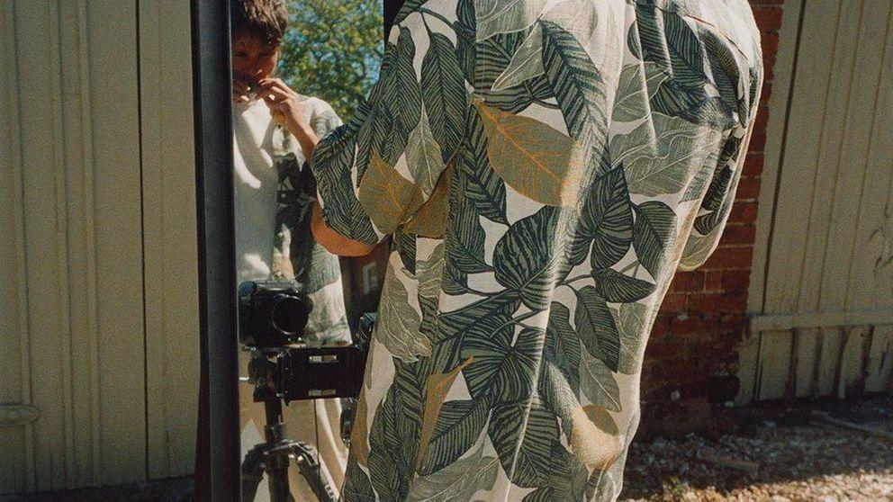 Zara esconde la camisa tropical que quieres en el apartado de hombre