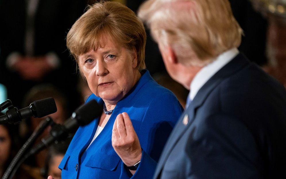 Foto: El presidente estadounidense, Donald J. Trump (dcha), y la canciller alemana, Angela Merkel (izda), el pasado 27 de abril en Washington. (EFE)