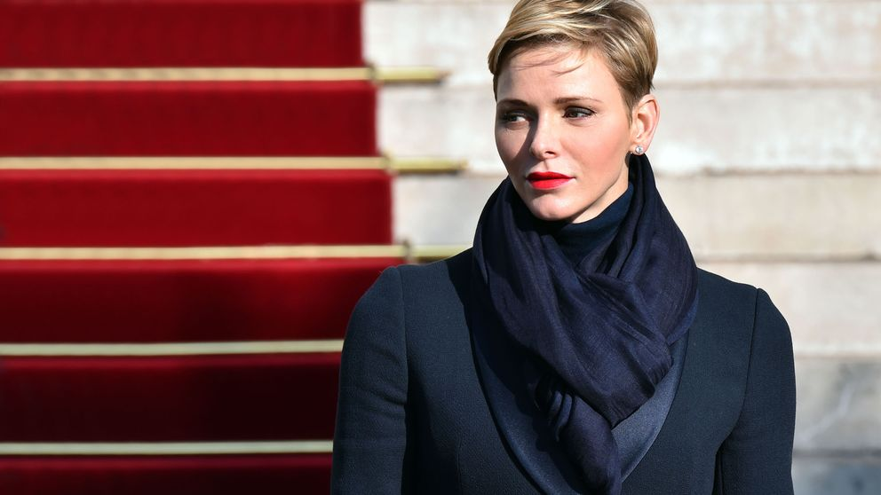 Charlène vuelve a abandonar Mónaco... pero sabemos dónde está