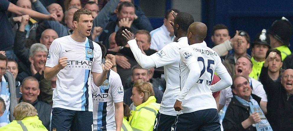 El Manchester City se queda a dos victorias del título tras vencer al vecino del Liverpool