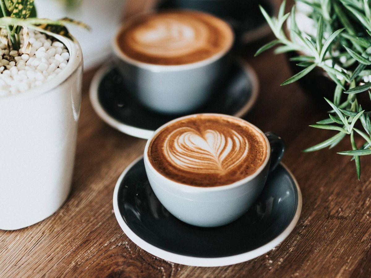 Foto: Bebidas saludables y con antioxidantes para sustituir al café. (Nathan Dumlao para Unsplash)
