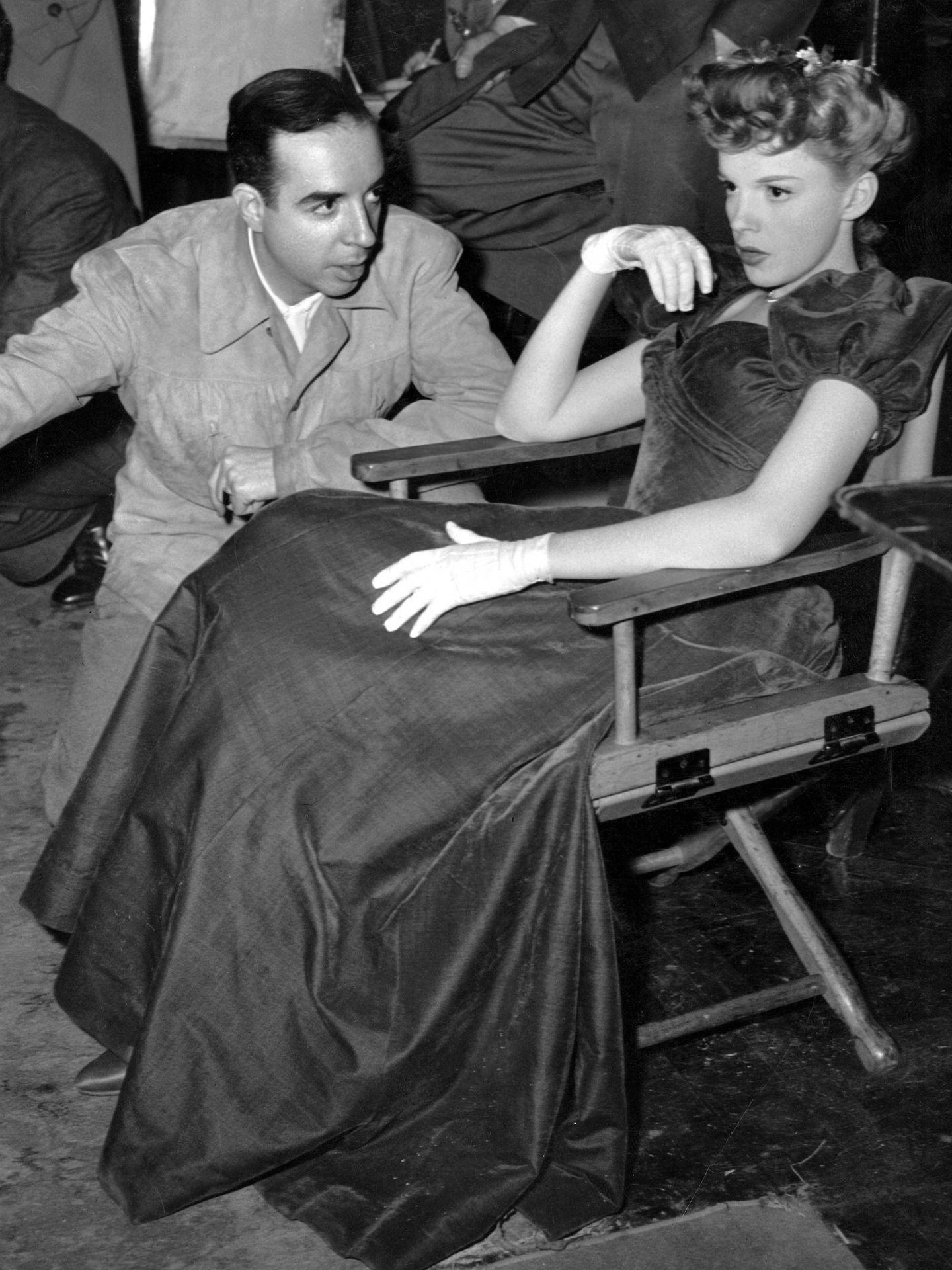 Minnelli y Garland, en el plató de 'Cita en San Louis'. (CP)