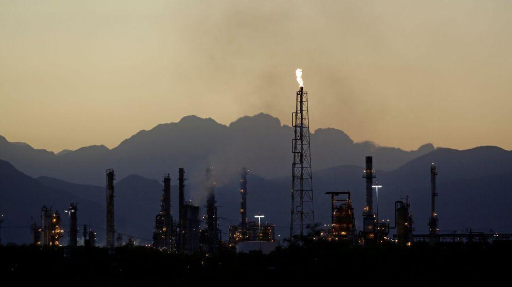 Foto: La refinería de Pemex en Cadereyta, a las afueras de Monterrey, Mexico. (Reuters)