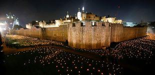 Post de La Torre de Londres se ilumina con 10.000 velas encendidas a mano