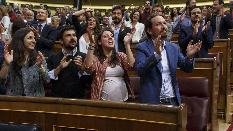Ione Belarra, Ramón Espinar, Irene Montero y Pablo Iglesias, cuando votaron la moción de censura. (Getty)