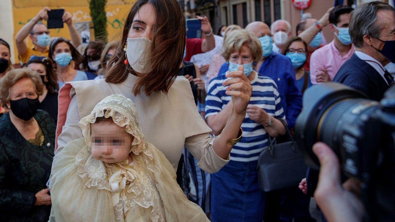 Sofía Palazuelo con su hija en brazos. (EFE)
