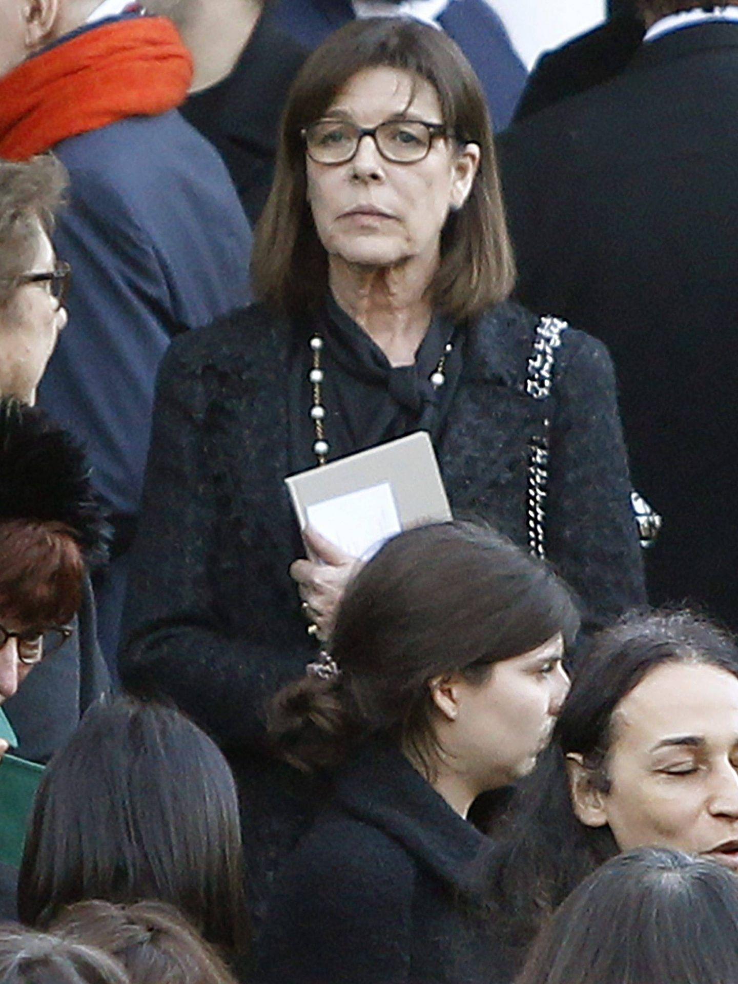 Carolina, vestida de Chanel, para despedir a su amigo. (Cordon Press)