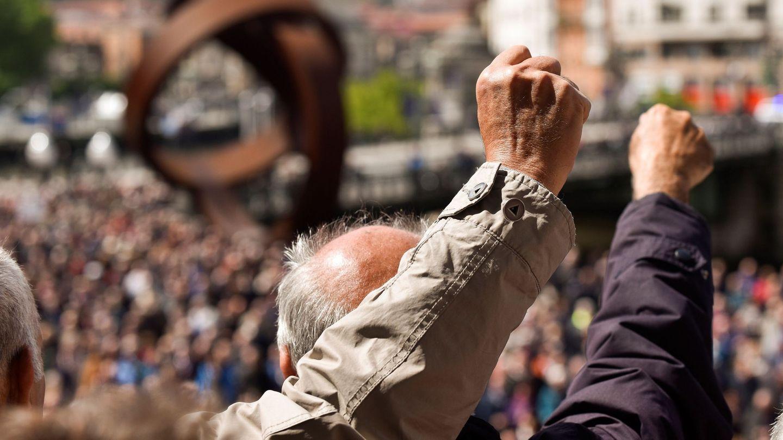 Pensionistas se manifiestan en Bilbao el pasado 14 de mayo. (EFE)