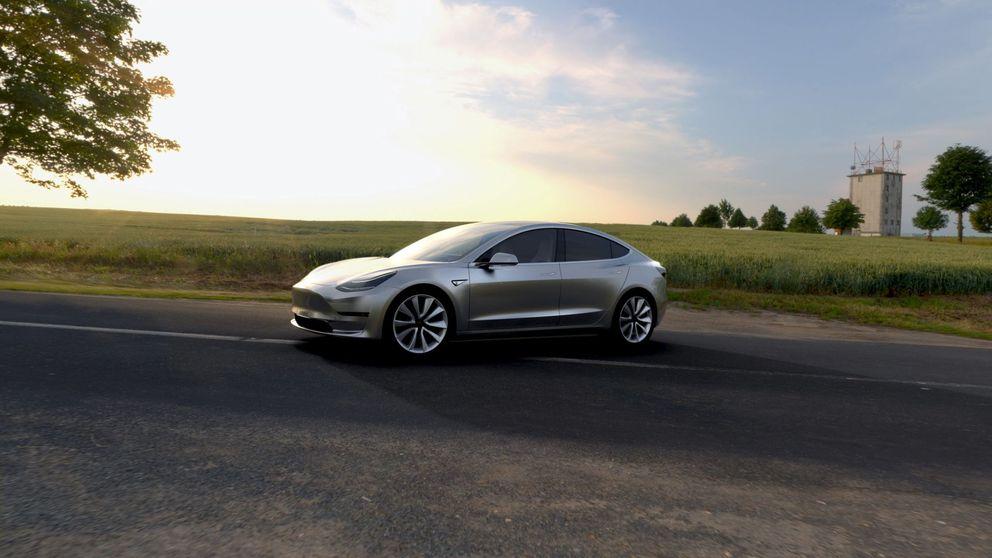 Pantalla enorme y diseño compacto: nuevas fotos muestran el coche 'low cost' de Tesla