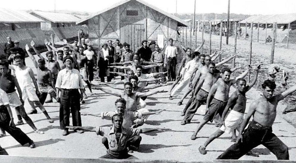 Foto: Campo de concentración de Bram, en 1939, por Agustí Centelles. (Archivos estatales MECD)