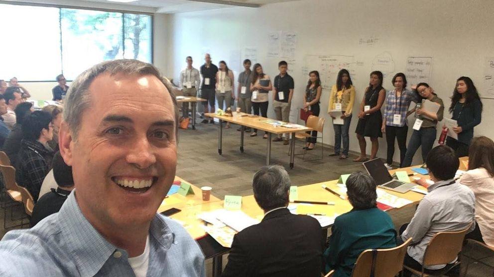 El profesor que enseñó a Silicon Valley a transformarnos en 'adictos' al móvil
