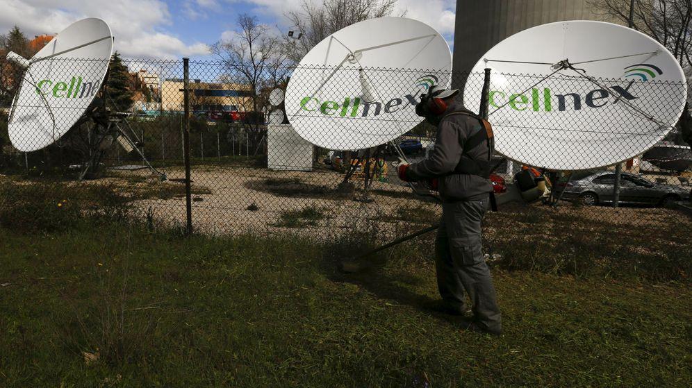 Foto: Parabolicas de Cellnex. (Reuters)