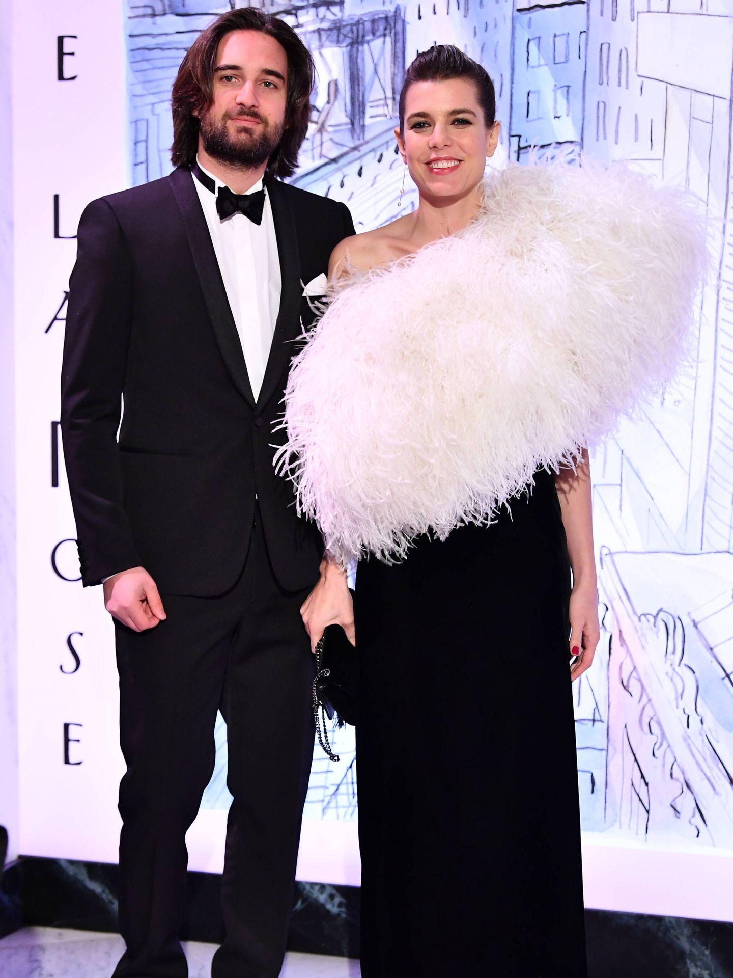 Carlota Casiraghi, con su actual marido en el Baile de la Rosa de 2018. (Getty)