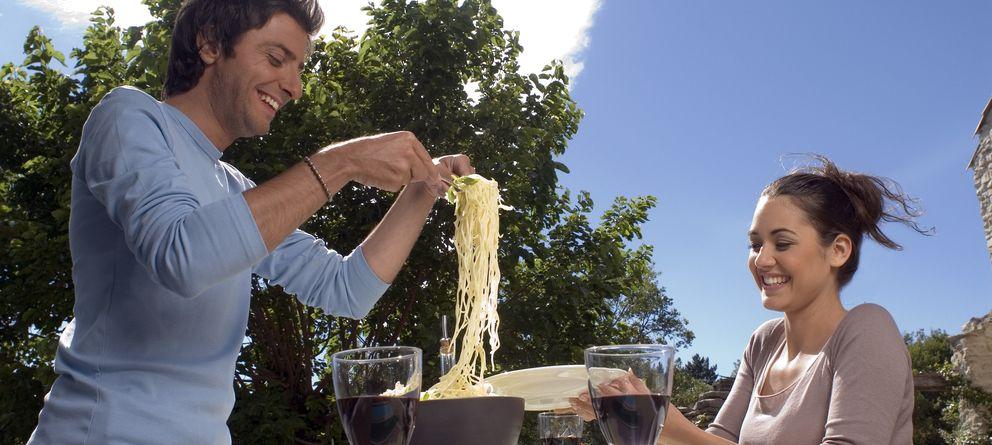 Foto: La alimentación consciente se basa en comer todo lo que el cuerpo nos pida, pero evitando hacerlo de manera emocional. (Corbis)