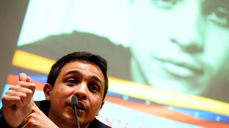 Rueda de prensa de Saleh en Madrid. (Reuters)