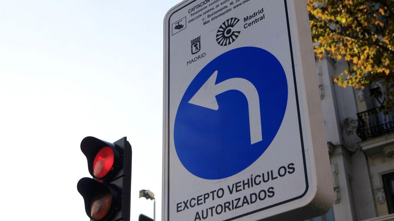 Una señal de Madrid Central. (EFE)