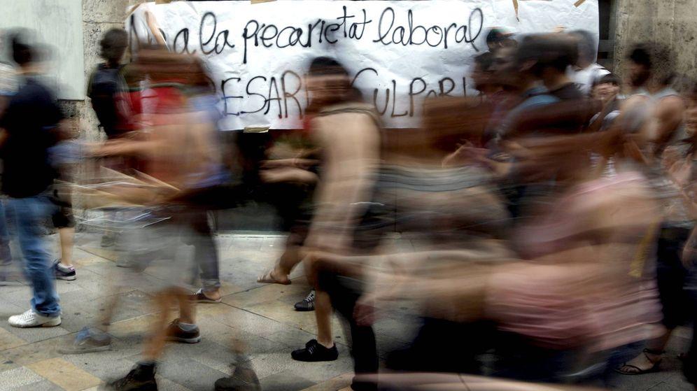 Foto: Manifestación contra la precariedad laboral en Barcelona. (EFE)