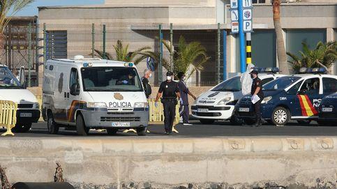 Dos personas heridas tras caer dos coches por una ladera en Fuerteventura