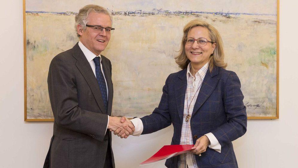 Foto:  La Comisión Nacional del Mercado de Valores y la Federación de Asociaciones de Periodistas de España firman un protocolo de colaboración en la sede de la CNMV. (Foto: CNMV)