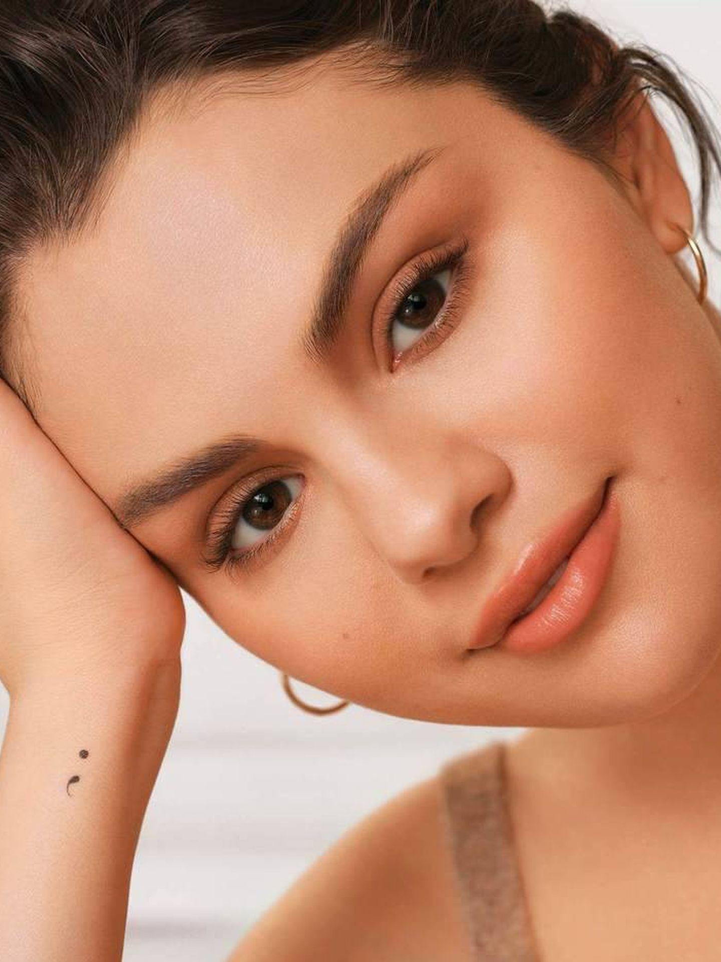 Selena Gomez, en una imagen promocional de Rare Beauty.