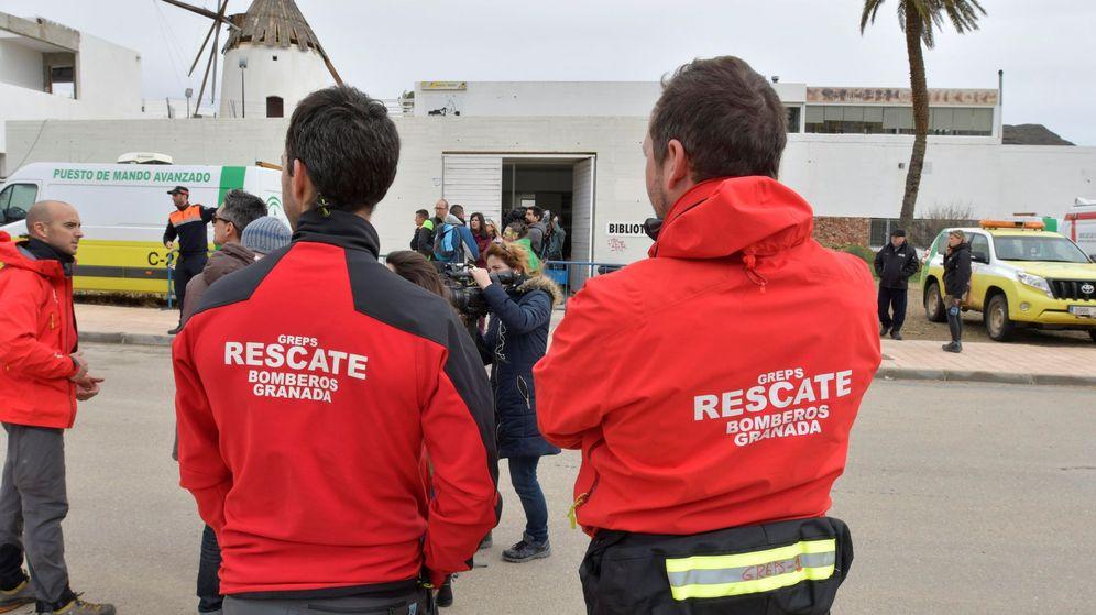 Foto: Bomberos y agentes de emergencia - Archivo. (EFE)