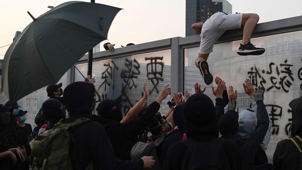China prohíbe la escala en Hong Kong de aviones y buques militares de EEUU