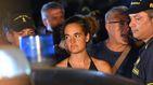 Detienen a la capitana del 'Sea Watch' tras entrar en el puerto italiano de Lampedusa