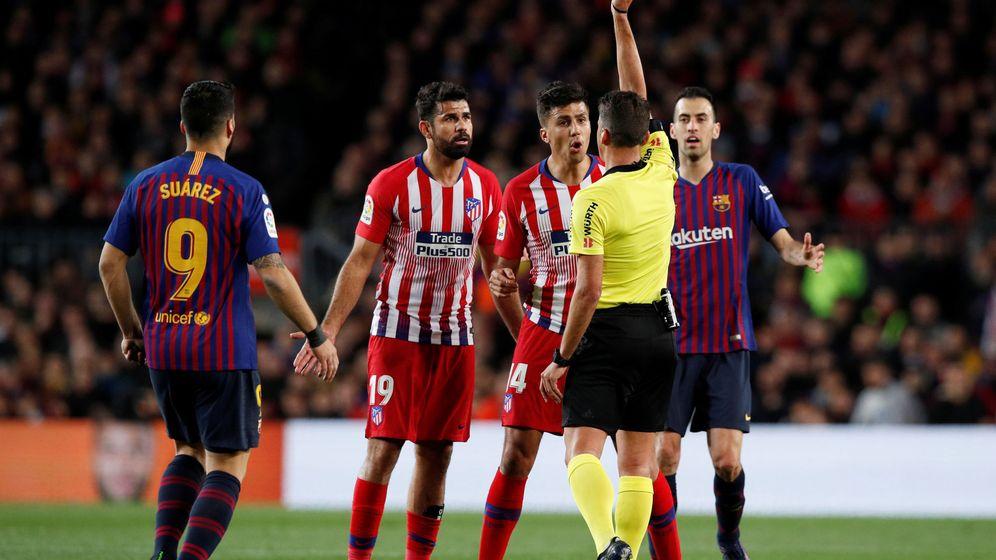 Foto: Diego Costa fue expulsado en el minuto 27 del FC Barcelona-Atlético de Madrid. (Reuters)