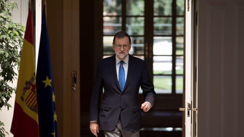 Foto: El presidente del Gobierno español, Mariano Rajoy, a su llegada a la rueda de prensa de balance de legislatura. (Reuters)
