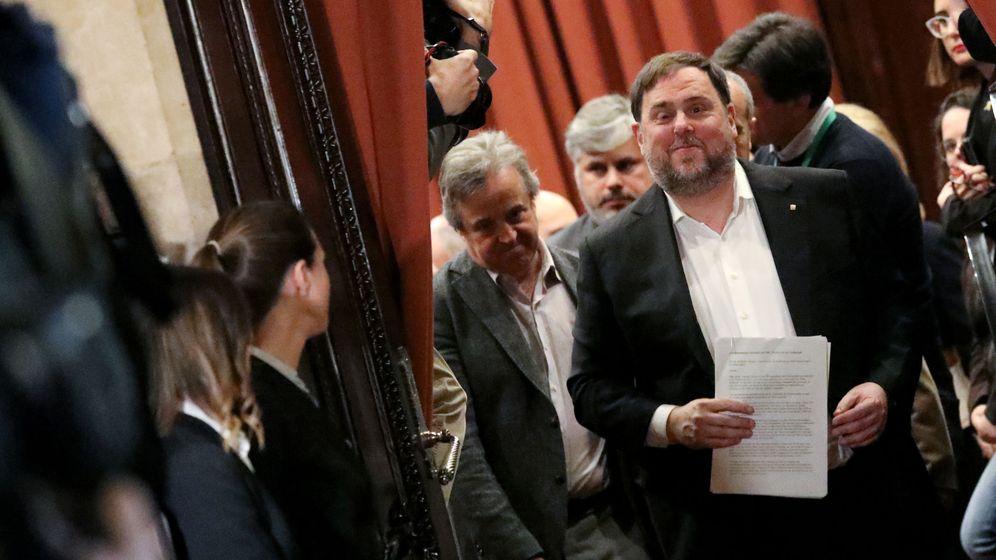 Foto: Oriol Junqueras, tras su intervención en la comisión de investigación del Parlament sobre la aplicación del artículo 155. (Reuters)