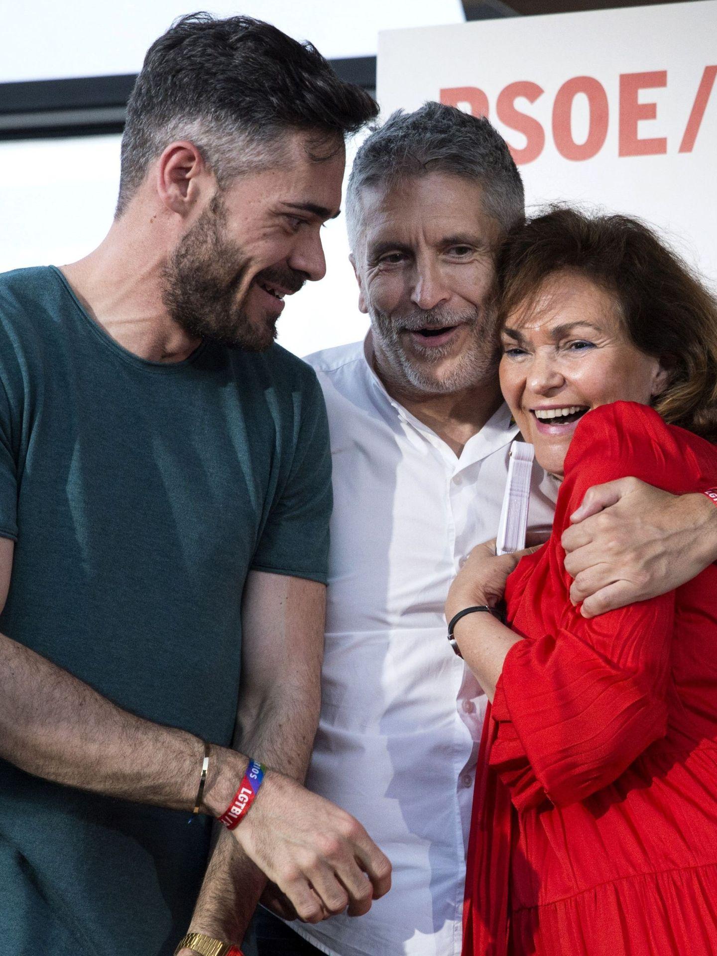 Felipe Sicilia, con el ministro Fernando Grande-Marlaska y la vicepresidenta Carmen Calvo. (EFE)